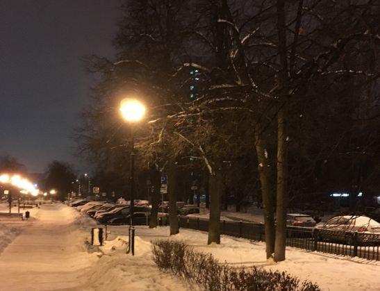Научастке Верхнелихоборской улицы восстановили освещение